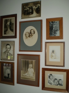 Selling your home, should family photos stay or go?
